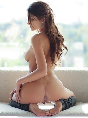 Hot girl gets fucked